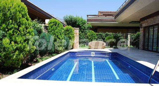 Великолепная фешенебельная вилла в центре Кемера с частным  участком 500 м2 и бассейном - 9388   Tolerance Homes