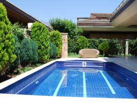 Великолепная фешенебельная вилла в центре Кемера с частным  участком 500 м2 и бассейном - 9388 | Tolerance Homes