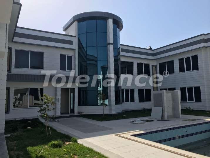Новые трехкомнатные апартаменты в Ларе, Анталия со встроенной бытовой техникой и мебелью в шикарном комплексе - 11918 | Tolerance Homes