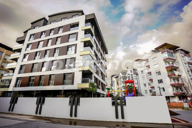 Современные квартиры в Унджалы, Коньяалты в комплексе с бассейном - 32181   Tolerance Homes
