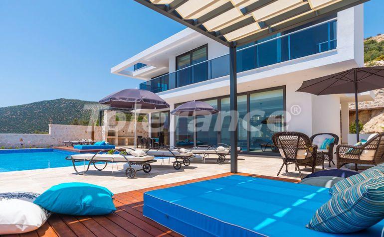 Современная вилла в центре Калкана с великолепным видом на море с гарантией дохода - 22340   Tolerance Homes