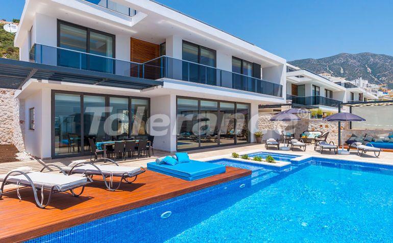 Современная вилла в центре Калкана с великолепным видом на море с гарантией дохода - 22339   Tolerance Homes