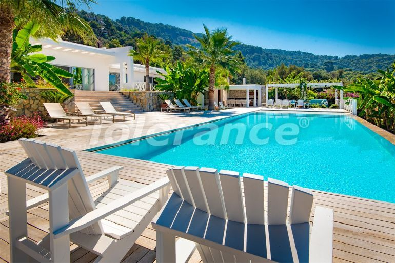 Роскошная вилла в Фетхие с собственным пляжем и видом на море - 23197 | Tolerance Homes