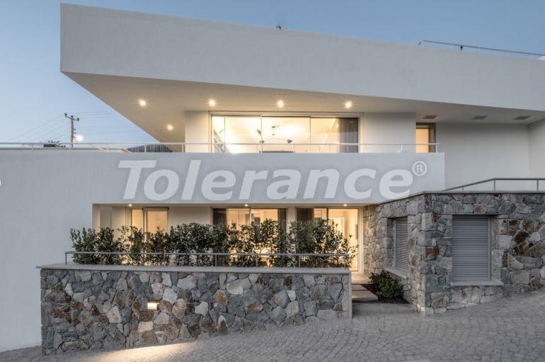 Шикарная вилла в Бодруме с видом на море, всего в 250 метрах от пляжа - 28953   Tolerance Homes