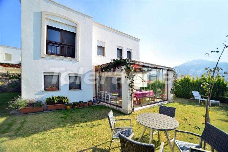 Современная вторичная вилла в отличном состоянии с красивейшим видом на море и греческие острова. - 7853 | Tolerance Homes