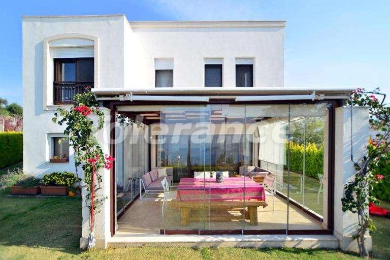 Современная вторичная вилла в отличном состоянии с красивейшим видом на море и греческие острова. - 7854 | Tolerance Homes